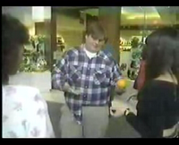 Chris Farley picks up chicks in the mall-thumbnail